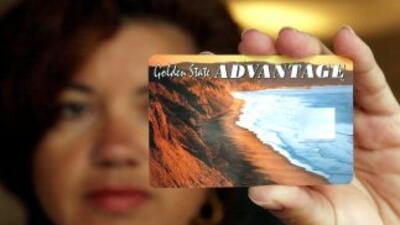 California reemplazó los cupones con tarjetas electrónicas en 2002.