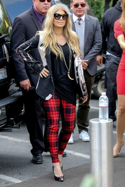 Otra celebridad que también llevó puesto el color rojo fue Fergie; su 'b...