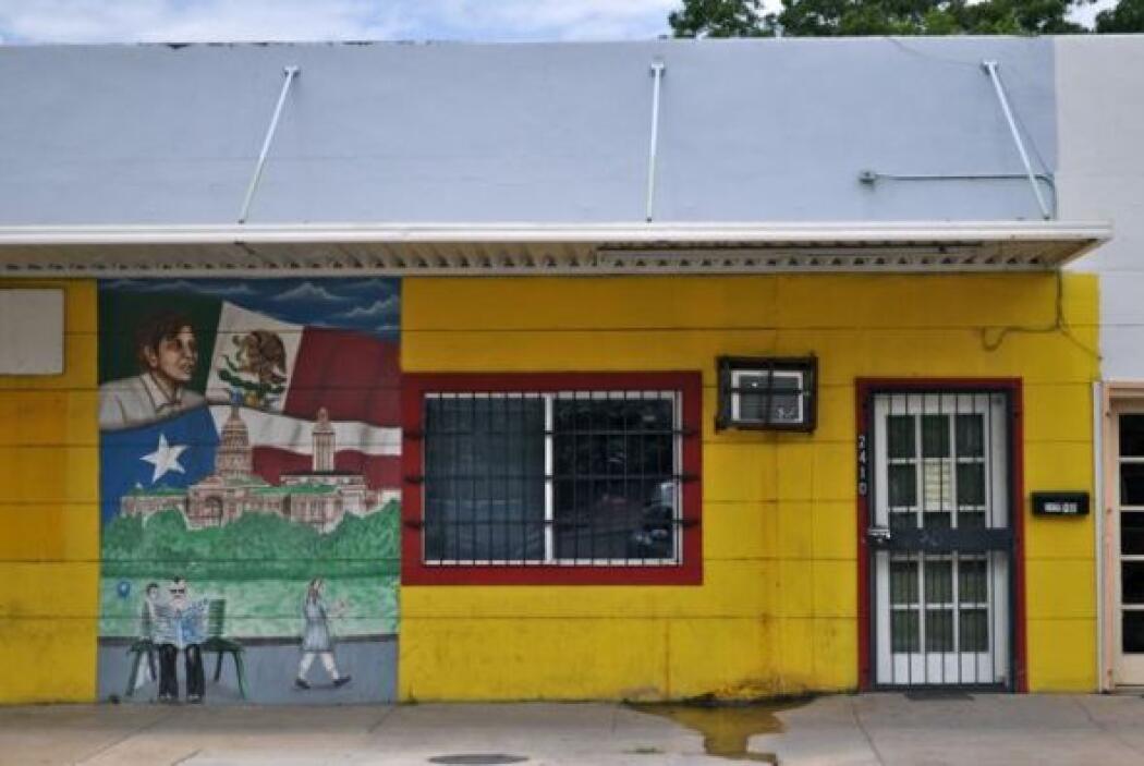 Los tributos a César Chávez, el activista mexicoamericano que luchó por...