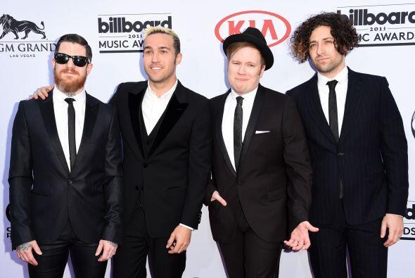 La banda Fall Out Boy fue de las primeras agrupaciones en aparecer frent...