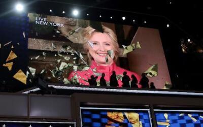 Hillary Clinton en una pantalla durante la Convención Nacional Demócrata