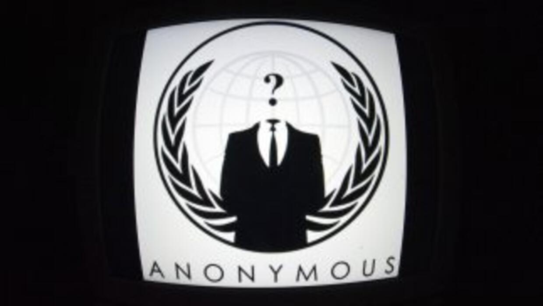 El colectivo de hackers Anonymous.
