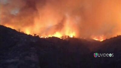Incendio voráz en California obliga a evacuar 500 hogares