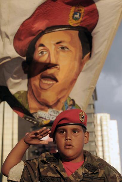Y hasta niños se han contagiado de culto a Chavez.