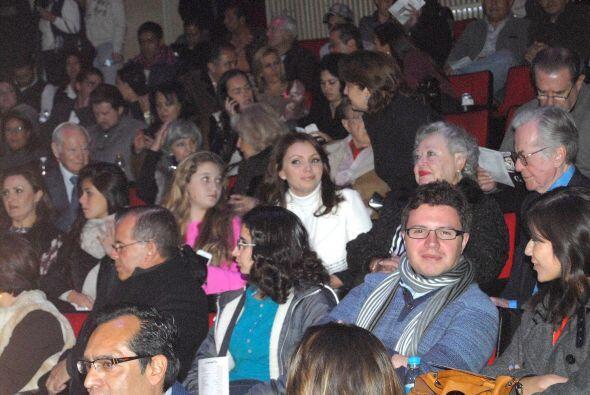 """Así vimos a la actriz apoyando a su hija en la obra """"El Cartero""""."""