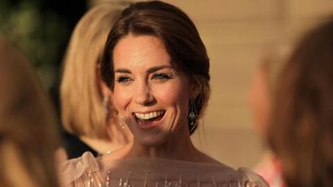 Hasta con vestidos reciclados: Kate Middleton es una reina de la moda