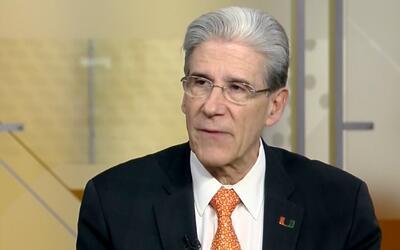 """Presidente de la Universidad de Miami: """"La condición económica de tu fam..."""