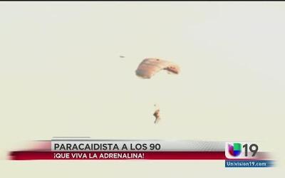 Anciana de 90 años se lanza del paracaídas