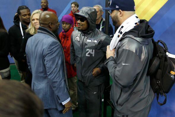Deion Sanders pudo sacarle mucho jugo a Marshawn Lynch (AP-NFL).