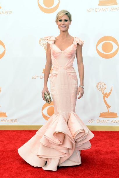 El vestido de Julie Bowen tampoco fue uno de los más espectacular...