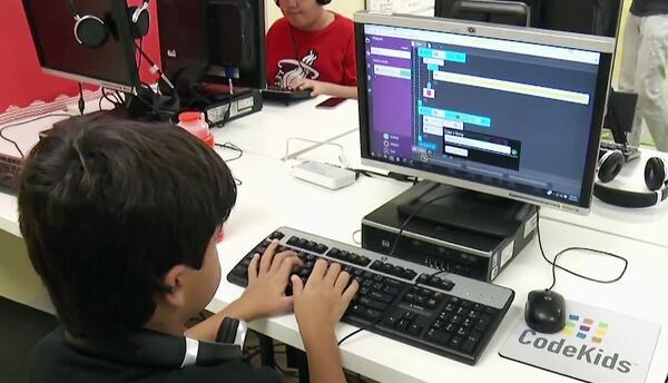 A jugar y a aprender: Conoce este campamento de robótica para niños