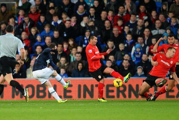 No pasó mucho tiempo para que se viera el  primer gol del partido.