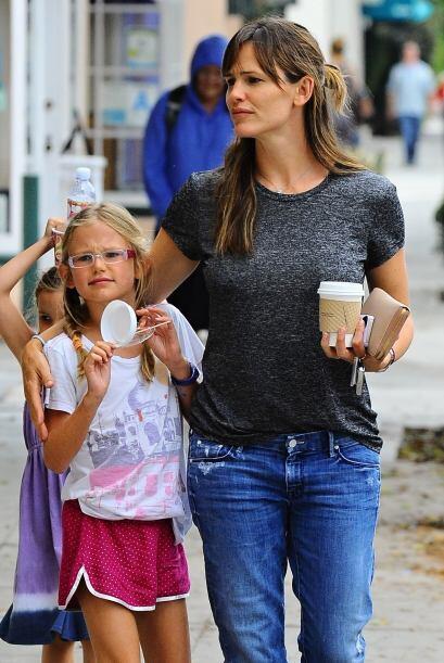 Mientras que las pequeñas hijas de Jennifer Garner disfrutan de u...