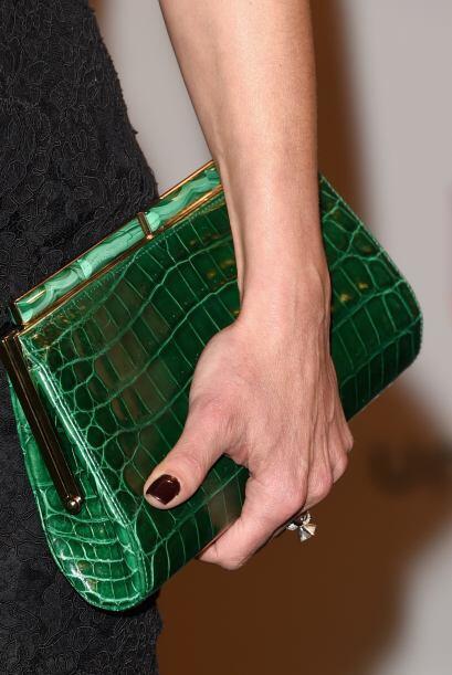 Para eventos elegantes lleva un verde esmeralda con textura, será...