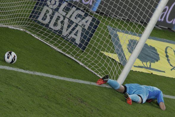 El portero del Madrid no pudo llegar a tiempo y así llegó el 2-1.