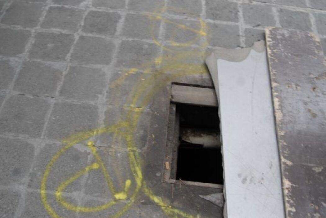 Peatónito utiliza su pintura amarilla para marcar los peligros de las ba...