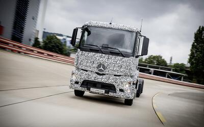 El Mercedes-Benz Urban eTruck es el primer, y por ahora único cam...