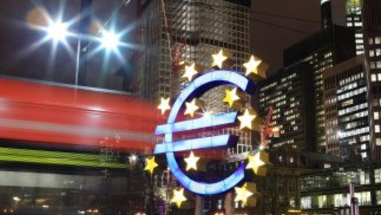 """""""Los próximos meses seguirán siendo difíciles porque la economía sigue e..."""