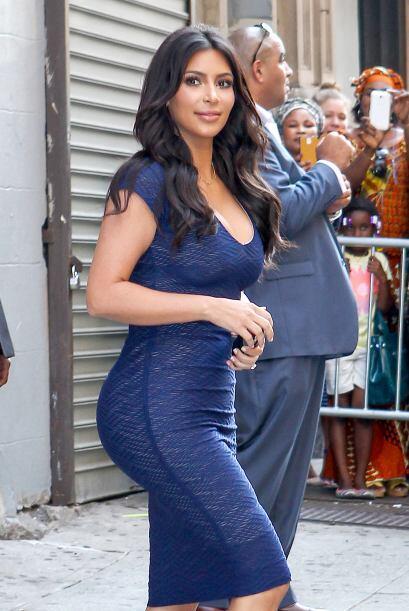 Kim se ha esforzado por recuperar sus curvas tras el embarazo, y vaya qu...