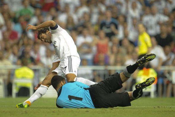 El delantero español no tardó en poner en peligro a sus co...