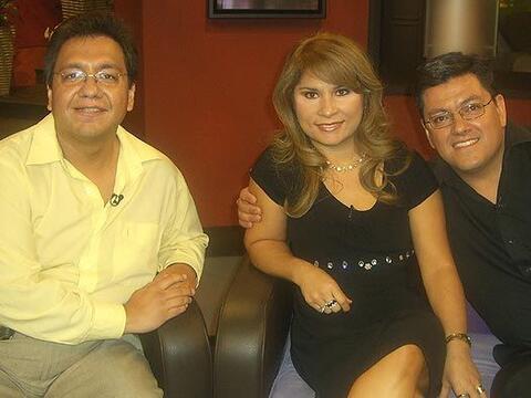 El Doctor Salazar asesor de la Fundacion Pro-Vida de Mexico acompa&ntild...
