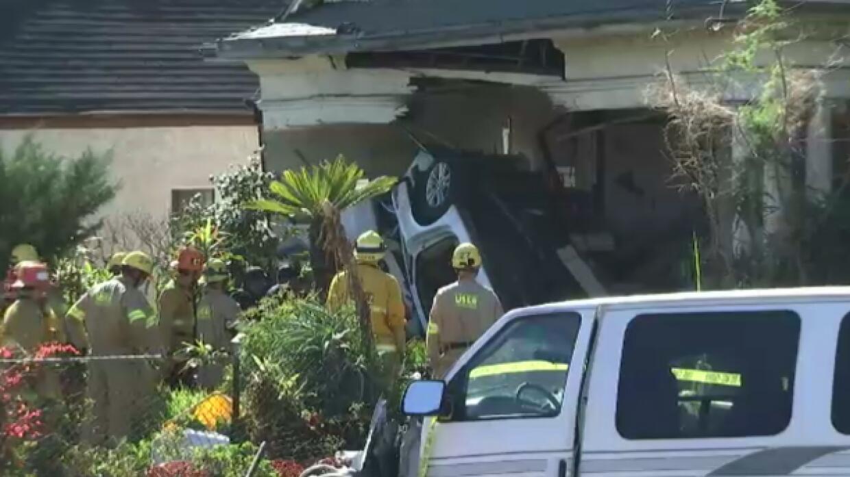 Bomberos auxiliaron a tres personas involucradas en un accidente en Boyl...