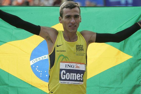Original de Sao Paulo en Brasil, Marilson Gomes Dos Santos es uno de los...