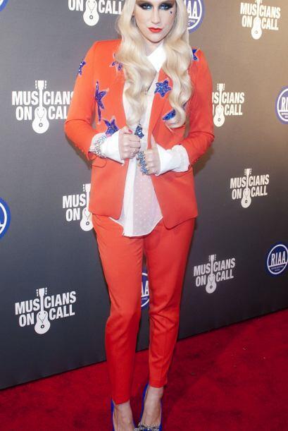 Kesha atuendos