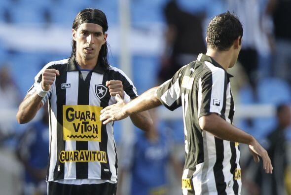 Botafogo empató en tiempo regular 1-1 gracias a un tiro cruzado d...