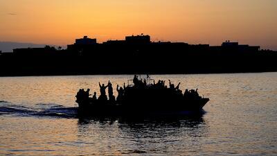 Al menos 300 desaparecidos en naufragio en el Mediterráneo