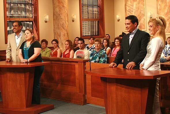 Las dos mujeres estaban muy agradecidas con la jueza y con Grace por el...