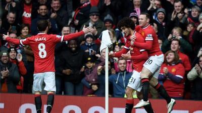 Fellaini y Rooney marcaron ante los 'Spurs', un rival complicado pero qu...