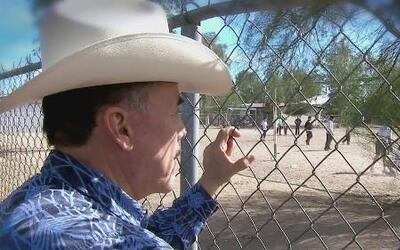 Pedro Rivera mostró cómo cruzó la frontera con un coyote