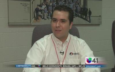 Jorge Gámez, estudiante y dueño de su propio negocio