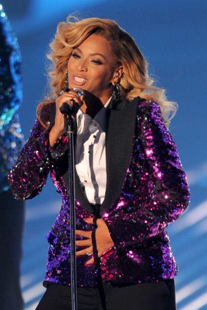 'Bey' subió al escenario y se mostró llena de energ&iacute...
