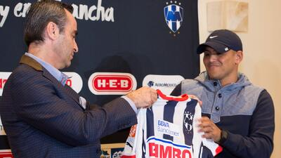 Humberto Suazo se despidió de Monterrey