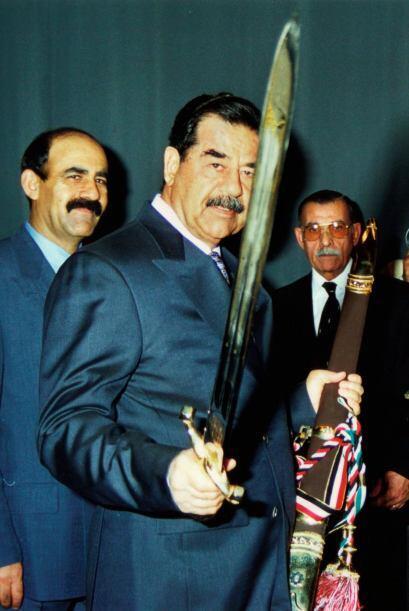 El presidente de Irak, Sadam Hussein se mostraba desafiante ante la pres...