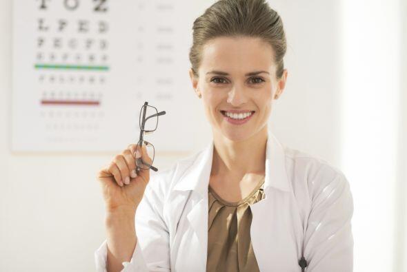 Es lo mismo un oftalmólogo que un optometrista: mito. El oftalm&o...