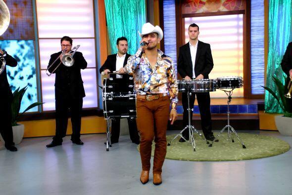 La música no podía faltar, Espinoza nos puso a bailar a todos en casa.