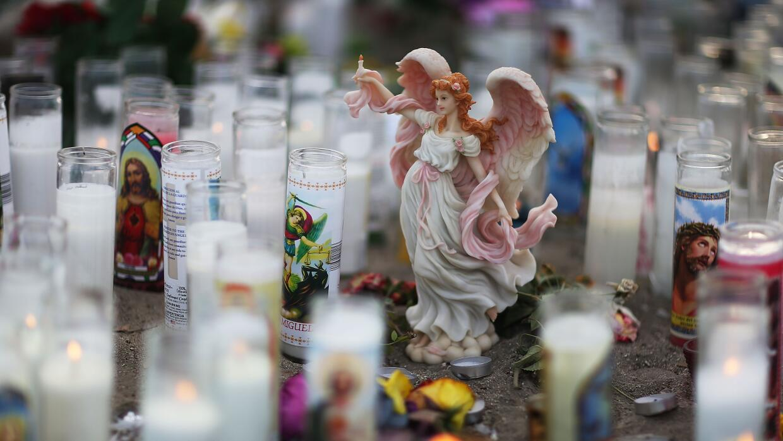 Velas para las víctimas de San Bernardino.