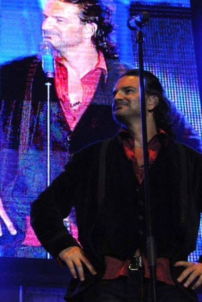Los coros de más de 40 mil personas hicieron que Ricardo guardara silenc...