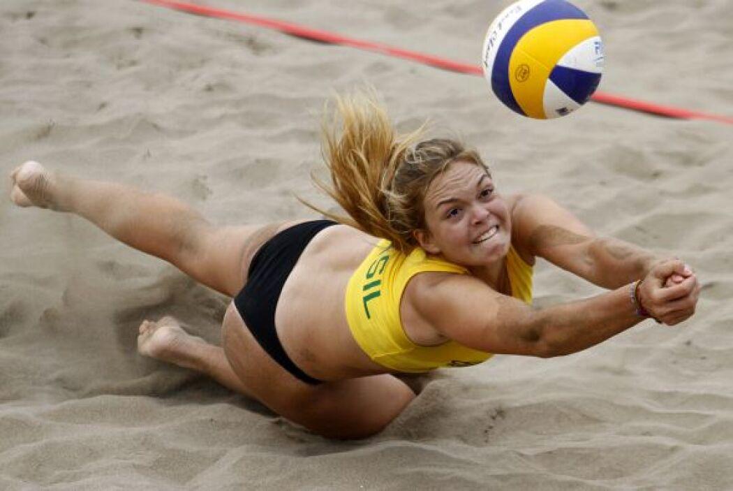 La brasileña Paula Hoffman es una fiel exponente de ello, sea en un torn...