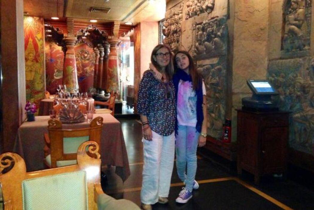Mily y Mía disfrutaron del festival de Holi en Nueva Delhi.