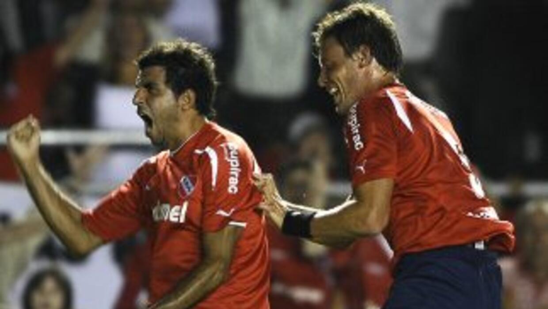 Festeja Pellerano y festejó Independiente el gol y el triunfo del ´Rojo´...