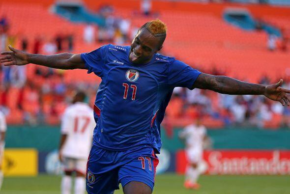 Jean Eudes Maurice fue la figura del partido al anotar los dos goles con...