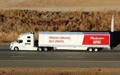 Camión autónomo de Uber entrega 50,000 latas de cerveza en Colorado Springs