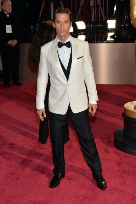 Poco a poco Matthew McConaughey ha ido recuperando el peso que perdió, y...