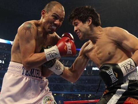 José Luis Castillo saltó al ring para enfrentar a Alfonso...