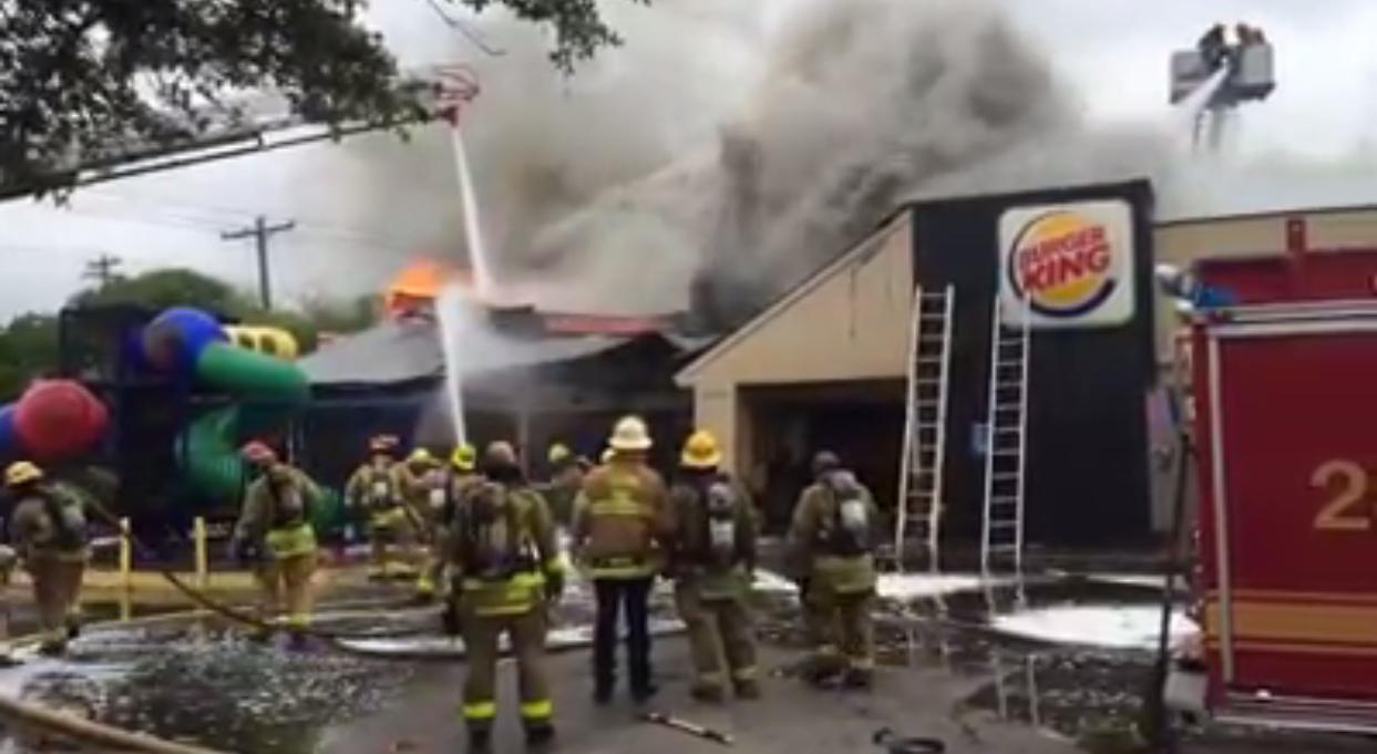 Se incendia Burger King en Austin