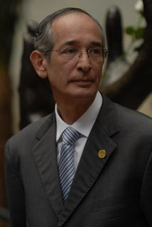 El presidente saliente de Guatemala, Álvaro Colom.